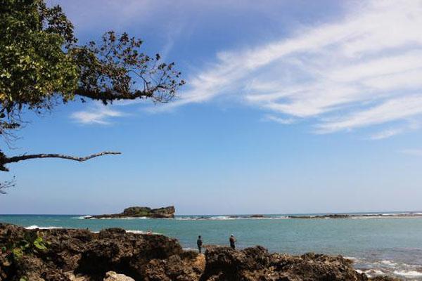 Pulo Manuk Beach Lebak Regency Banten Pantai Karangsongsong Kab