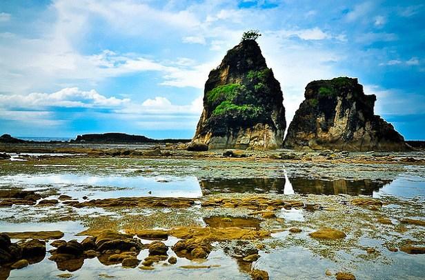 Pantai Sawarna Surga Tersembunyi Tanah Banten Kab Lebak