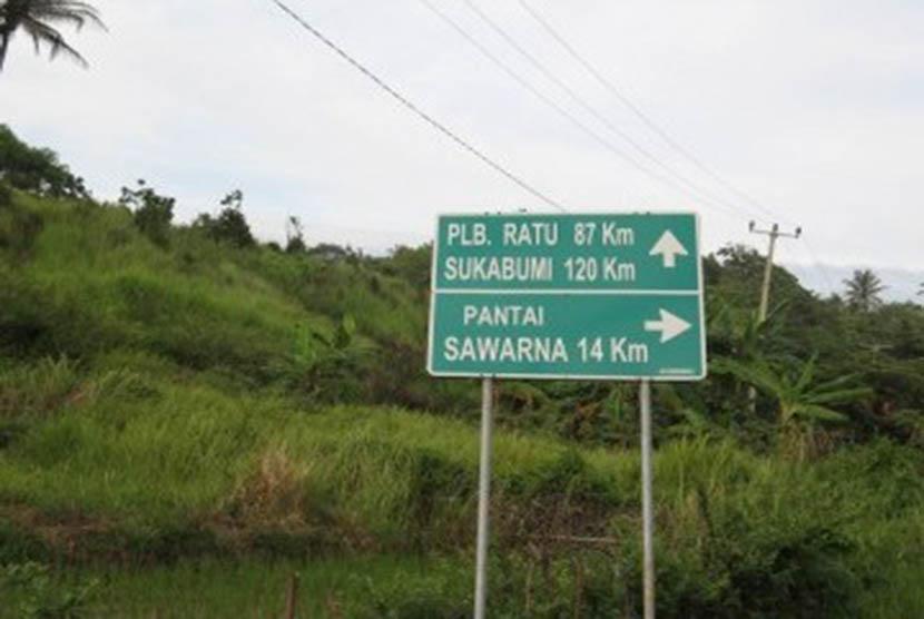 Wisatawan Dilarang Berenang Pantai Selatan Lebak Banten Sawarna Kab