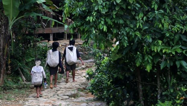 Warga Tengah Kawalu Perkampungan Baduy Tertutup Travel Melintasi Luar Lebak