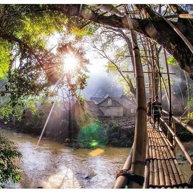 Wisata Budaya Mempelajari Kearifan Lokal Berkunjung Desa Jembatan Kampung Suku