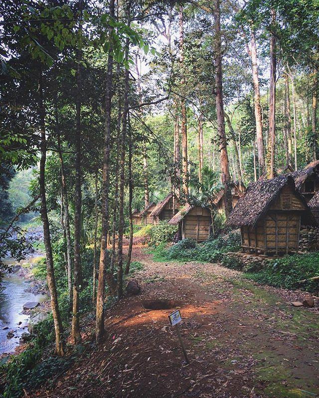 Wisata Budaya Mempelajari Kearifan Lokal Berkunjung Desa Suku Baduy Image