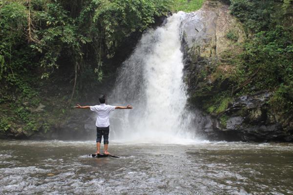 Berburu Air Terjun Narmada Wisata Alam Pasar Sesaot Kampung Kreatif