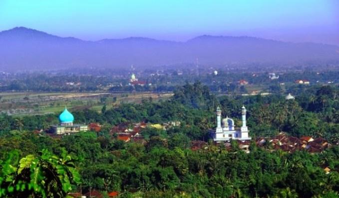 Gunung Saksak Lombok Barat Tawarkan Pesona Alam Pikat Wisatawan Id
