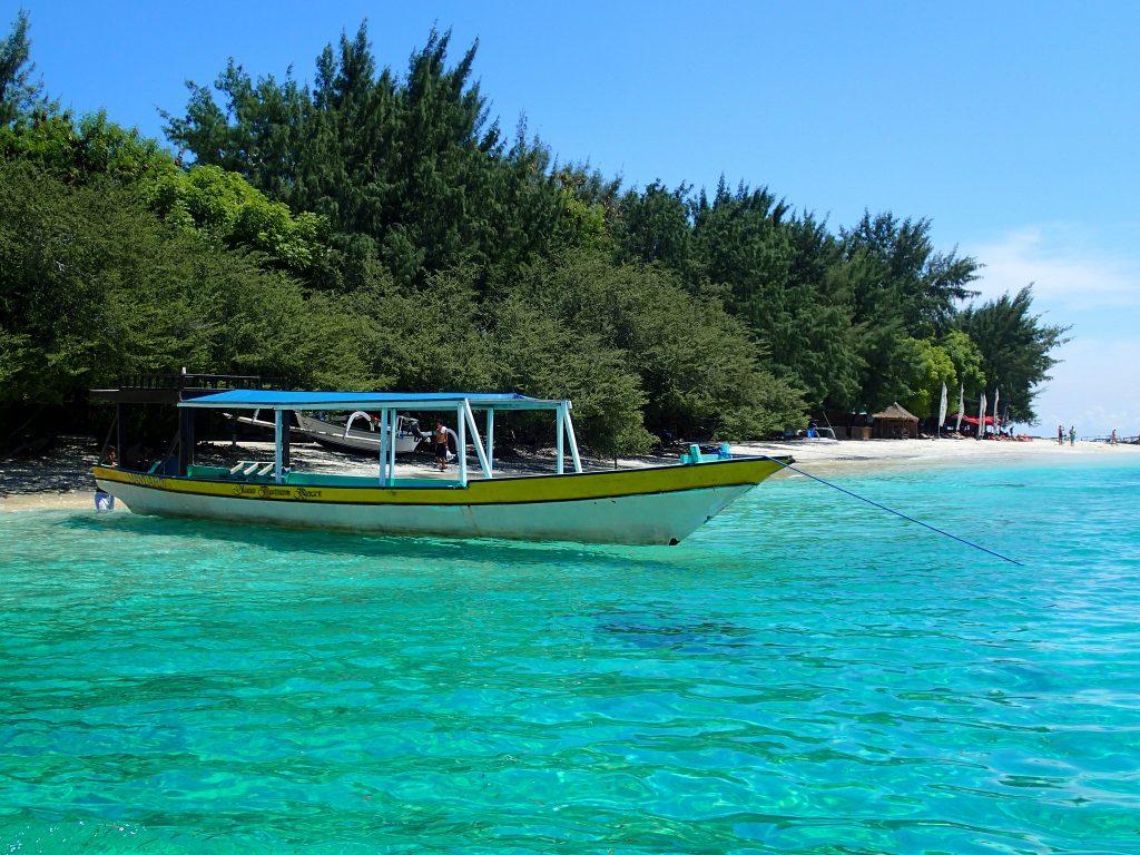 10 Tempat Wisata Lombok Terkenal Sampai Mancanegara Cintai 1 Gili