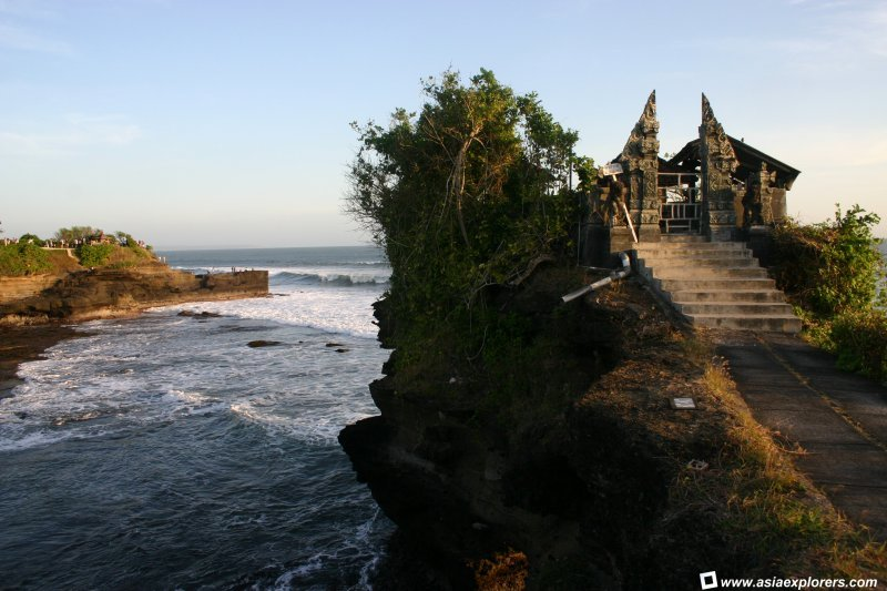 Batu Bolong Temple Bali Bible Pura Kab Lombok Barat