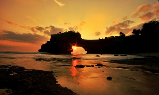 Beautiful Sunset Pura Batu Bolong Lombok Traveling Diary Kab Barat