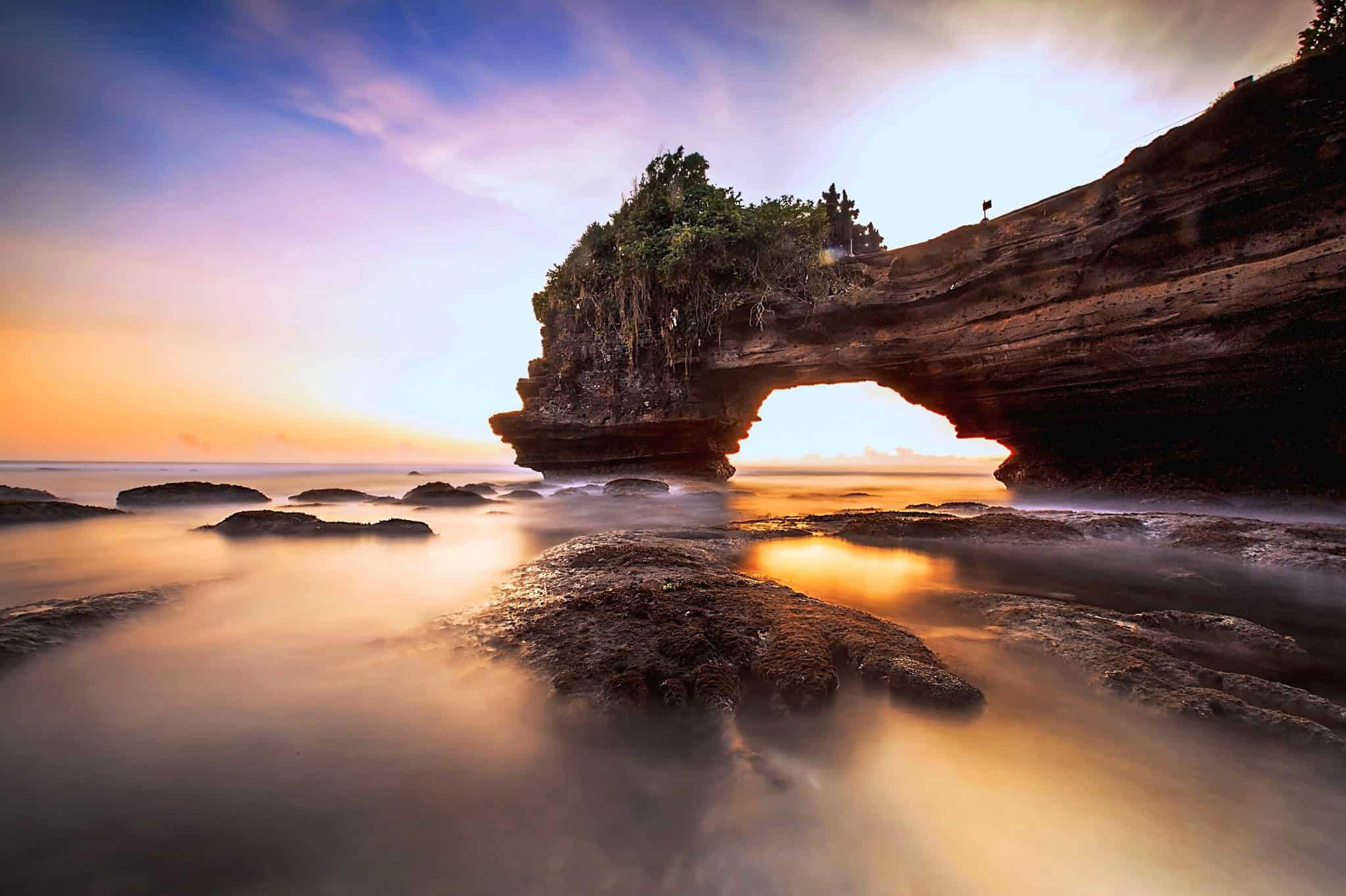 Destinasi Wisata Pura Batu Bolong Lombok Barat Wisatabaru Kab