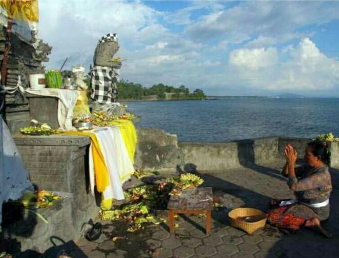 History Pura Batu Bolong Lombok West Nusa Tenggara Public Topics