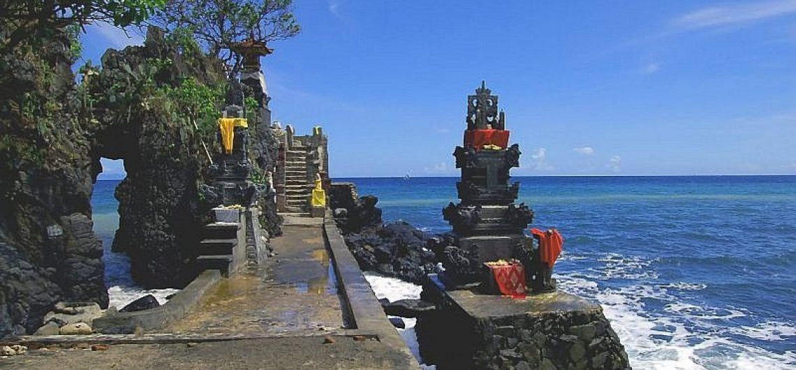 Pura Batu Bolong Free Tourist Information Guide Ancient Shrine Turist