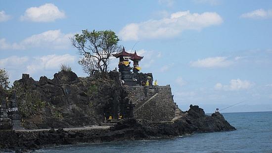 Pura Batu Bolong Lombok Barat Kab