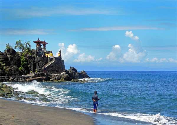 Pura Batu Bolong Lombok Barat Pulau Gilis Bagi Umat Hindu