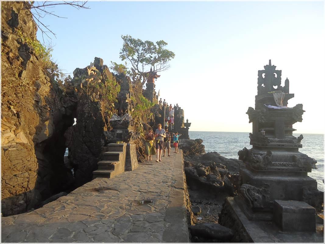 Pura Batu Bolong Lombok Kab Barat