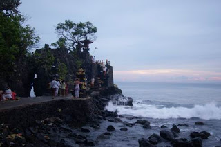 Tourist Destinations Indonesia Batu Bolong Temple Sacred Pictures Melancongkelombok Blogspot