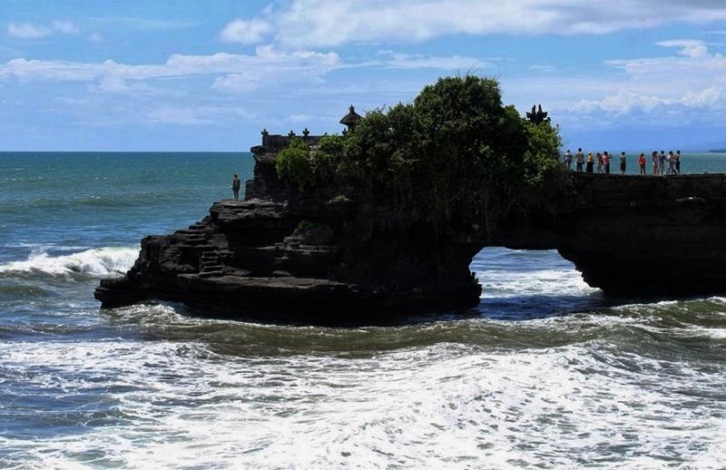Visit Lombok Sumbawa Tempat Wisata Pura Batu Bolong Kab Barat