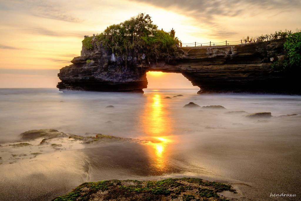 Wisata Pura Batu Bolong Lombok Barat Cyber4rt Kab