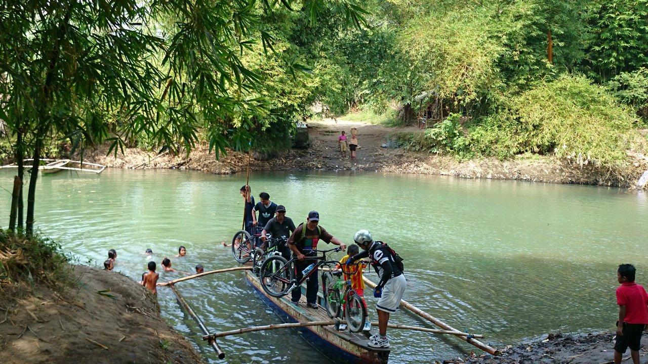 Biking Tour Lombok Waterfall Selelos Mtb Downhill Pengsong Temple Pura