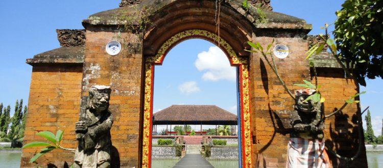 Dipulau Lombok Bali Tour Informasi Pura Gunung Pengsong Kab Barat