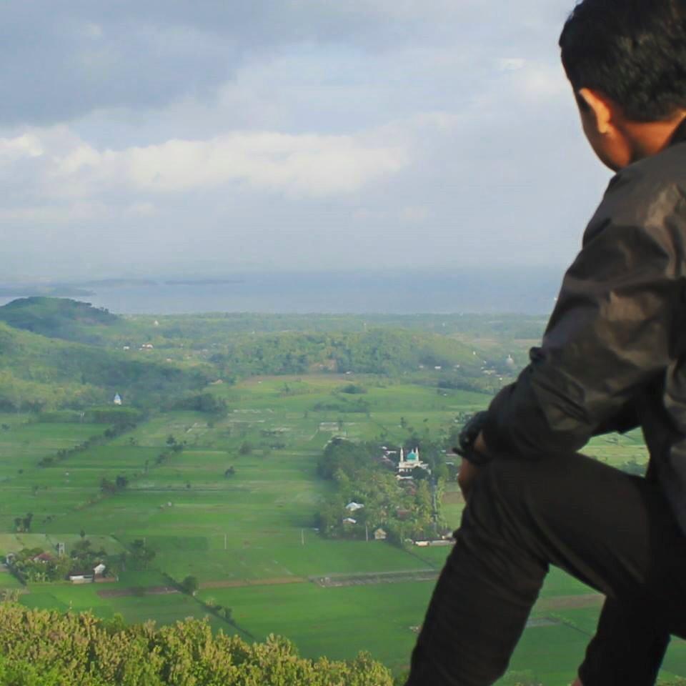 Gunung Sasak Lombok Gerung Barat Surga Wisata Rindangnya Pepohona Jalan
