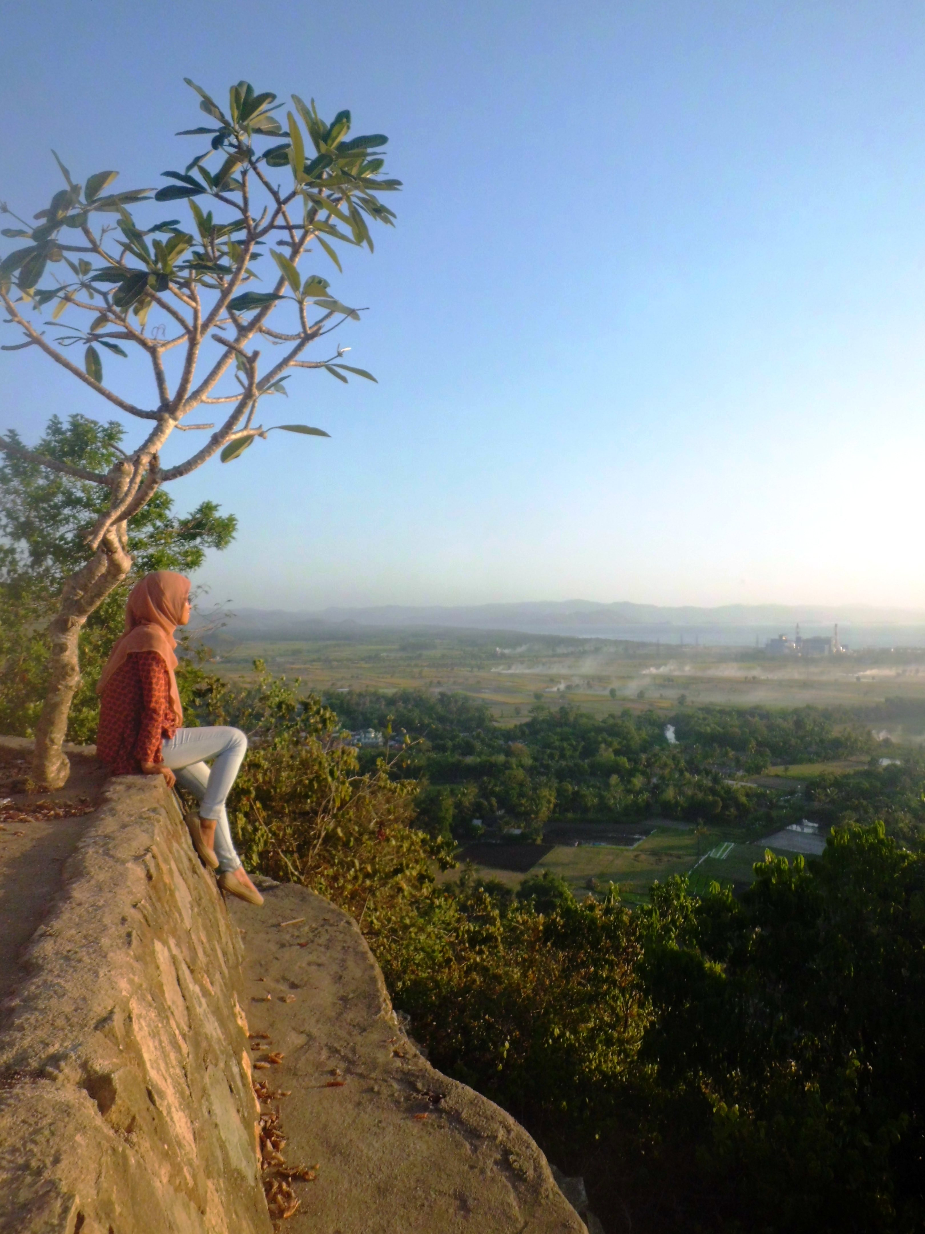 Lombok Island Blue Time Brown Yulianabq Menikmati Pemandangan Taman Pura
