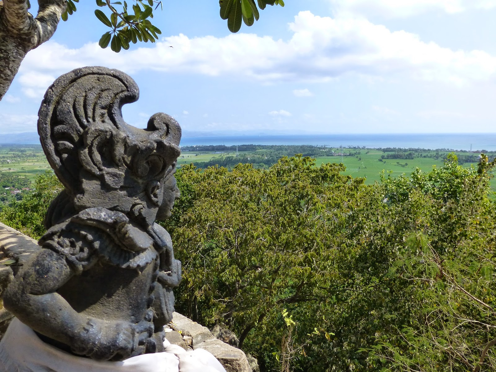 Pura Diatas Pegunungan Lombok Gunung Pensong Pengsong Kabupaten Barat Kab