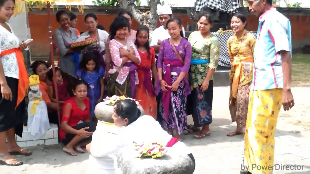 Pura Gunung Baleku Youtube Pengsong Kab Lombok Barat