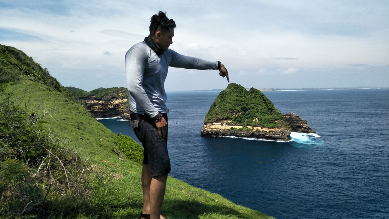 Pura Gunung Pengsong Lombok Gerbang Wisata Tour Adventure Pantai Tunak