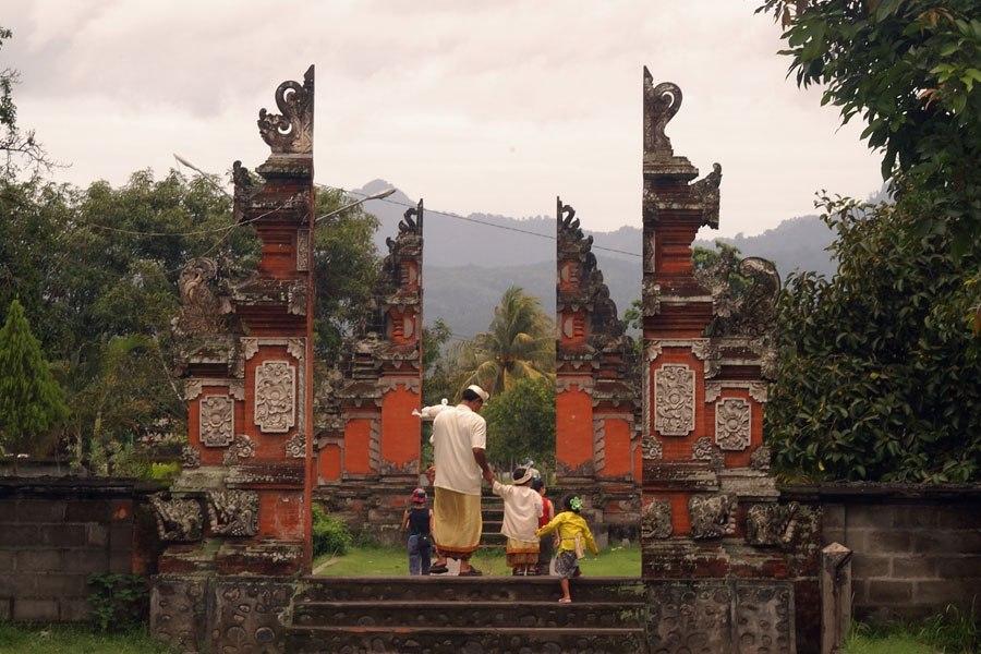 Pura Lingsar Lombok Option Lingsar1 Gunung Pengsong Kab Barat