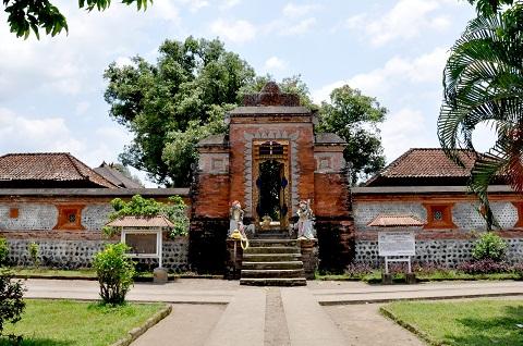Sejarah Singkat Pura Lingsar Kabupaten Lombok Barat Pembangunan Oleh Raja