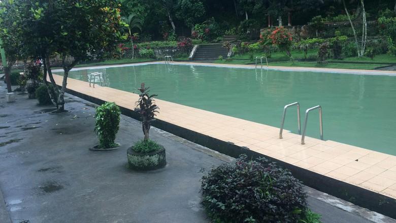 Kolam Lombok Konon Mata Airnya Bikin Enteng Jodoh Renang Buatan