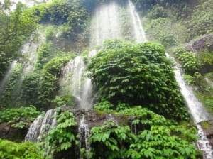 Legenda Objek Wisata Lombok Tengah Air Terjun Benang Stokel Pemandian