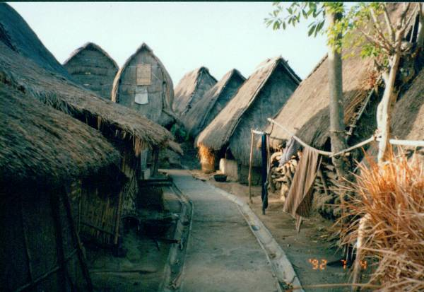 November 2014 Keindahan Wisata Lombok Tengah Rumah Masyarakat Dusun Terbuat