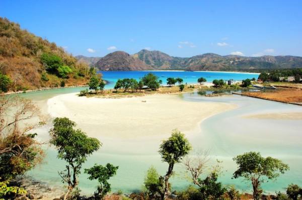 November 2014 Keindahan Wisata Lombok Tengah Selong Belanak Beach 600x399
