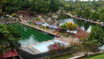Pemandian Aik Bukak Lombok Tengah Kelilingi Pemandangan Hijau Desa Ijobalit