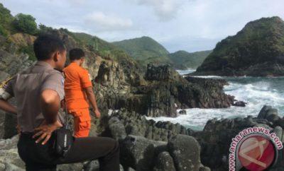 Pemandian Aik Bukak Lombok Tengah Kelilingi Pemandangan Hijau Dua Sejoli