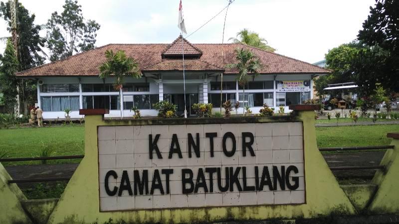 Pemerintah Kabupaten Lombok Tengah Kecamatan Batukliang Kantor Camat Pemandian Aik