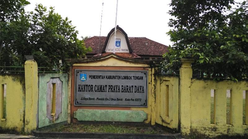 Pemerintah Kabupaten Lombok Tengah Kecamatan Praya Barat Daya Kantor Camat