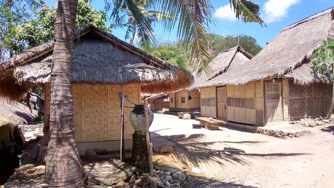 Berkunjung Desa Sasak Ende Tenang Desainer Males Adat Lombok Tengah