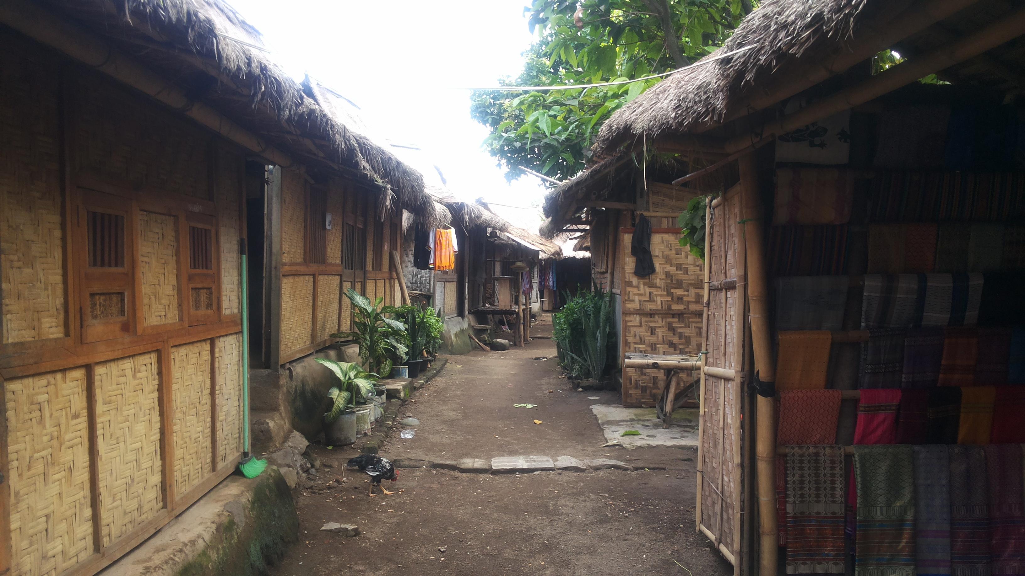 Dusun Sade Kita Kota Gambar Rumah Adat Kab Lombok Tengah