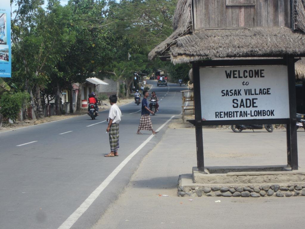 Kampung Adat Sade Simbol Identitas Suku Sasak Lombok Tengah Rumah
