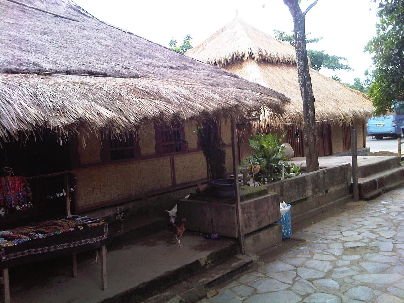 Kawasan Adat Suku Sasak Desa Sade Lombok Tengah Gold Trip