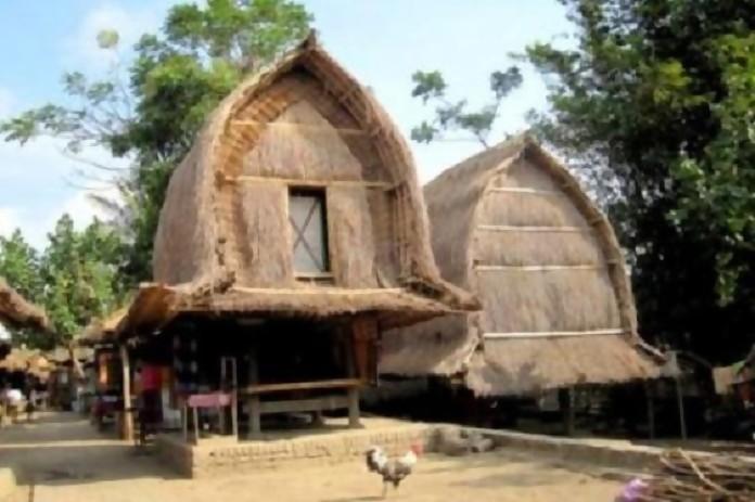 Kawin Lari Tradisi Sade Lombok Peradaban Sejarah Rimanews Rumah Tradisional