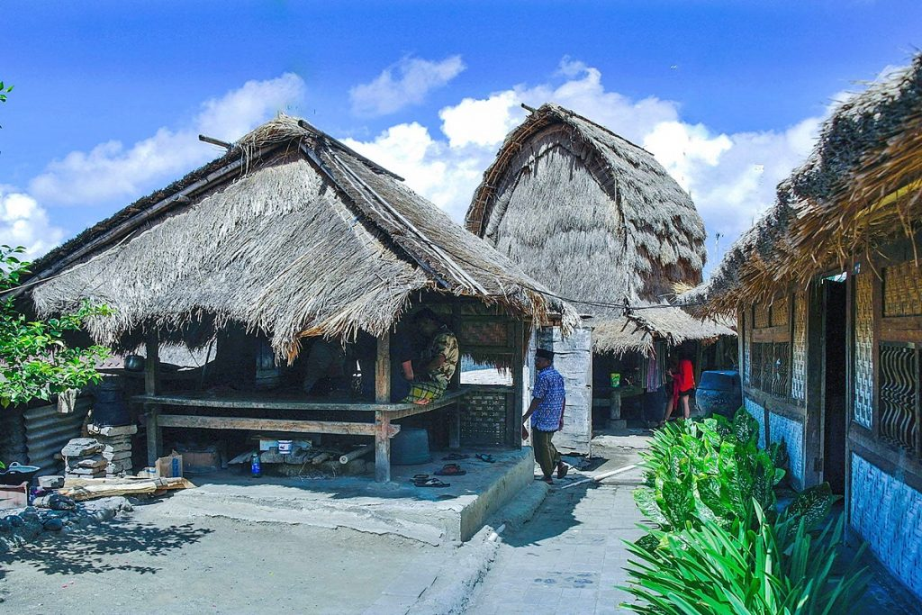 Kehidupan Tradisional Suku Sasak Desa Adat Sade Lombok Tengah Rumah