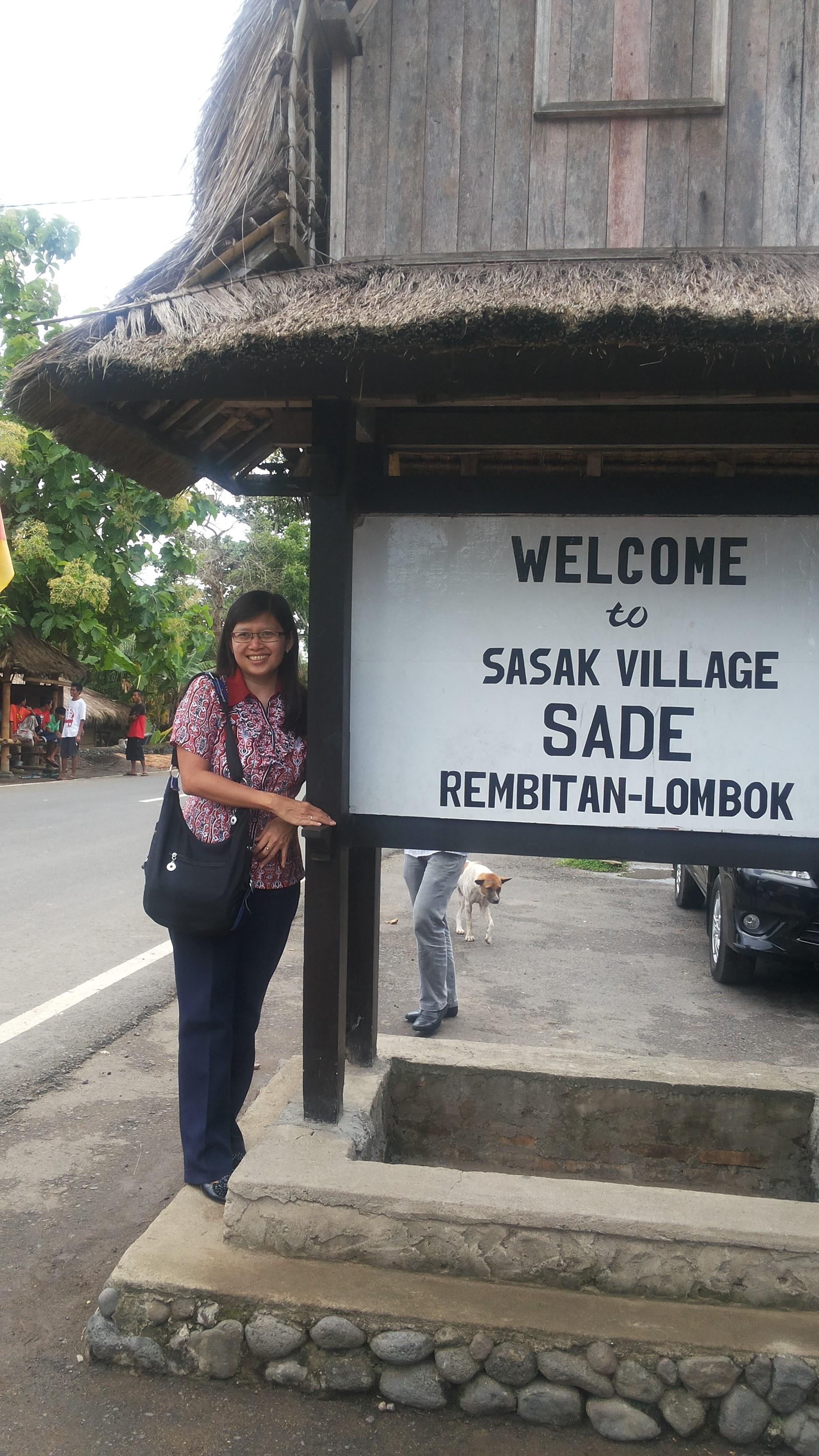 Kemasan Kearifan Lokal Kampung Adat Sade Oleh Deliana Setia Gambar