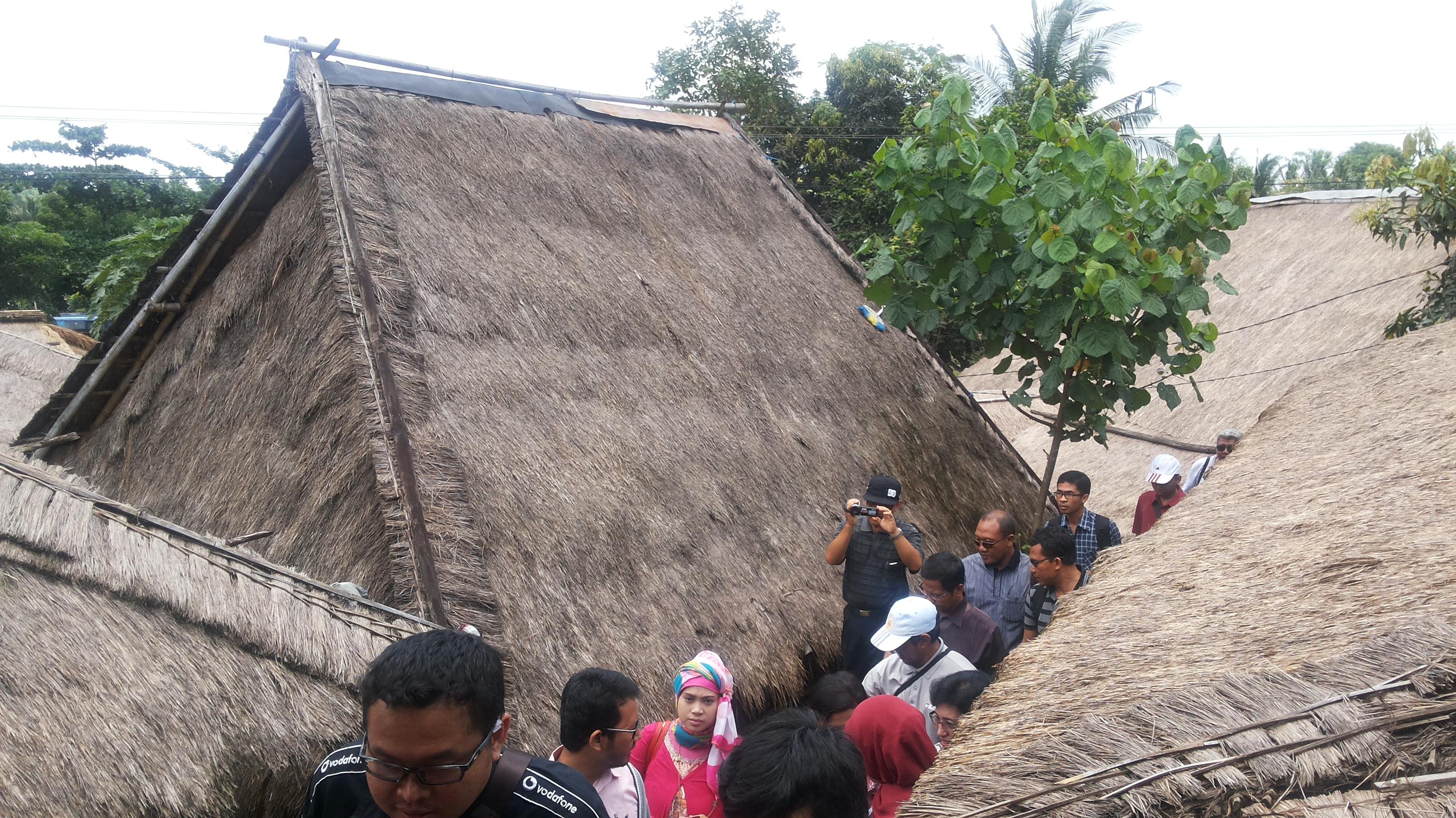Kemasan Kearifan Lokal Kampung Adat Sade Oleh Deliana Setia Rumah
