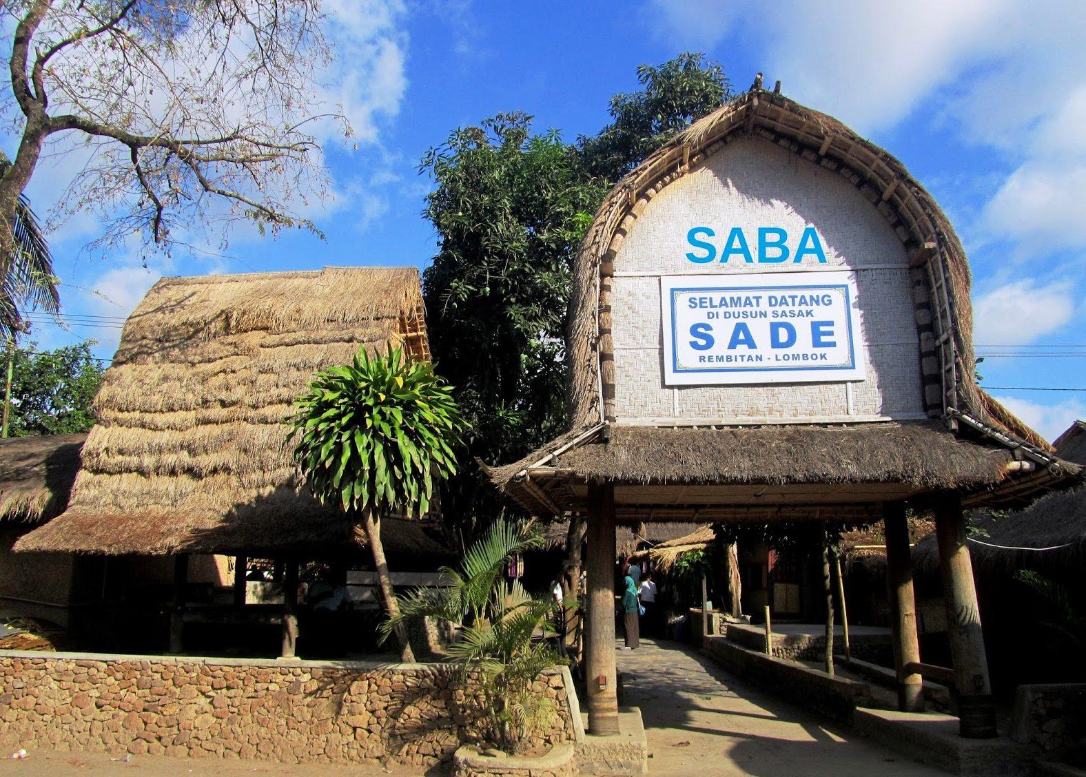 Keunikan Rumah Adat Khas Sasak Desa Sade Lombok Berada Kecamatan