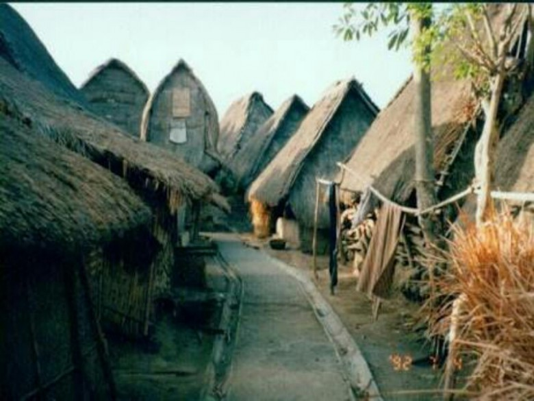 Mengenal Dekat Desa Sade Kampung Suku Sasak Pulau Lombok Plukme