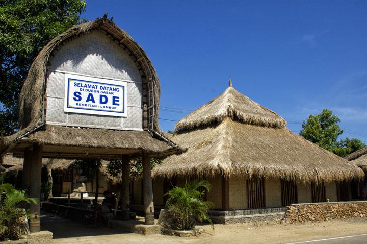 Objek Wisata Desa Sade Terdapat Rumah Unik Hingga Budaya Kawin