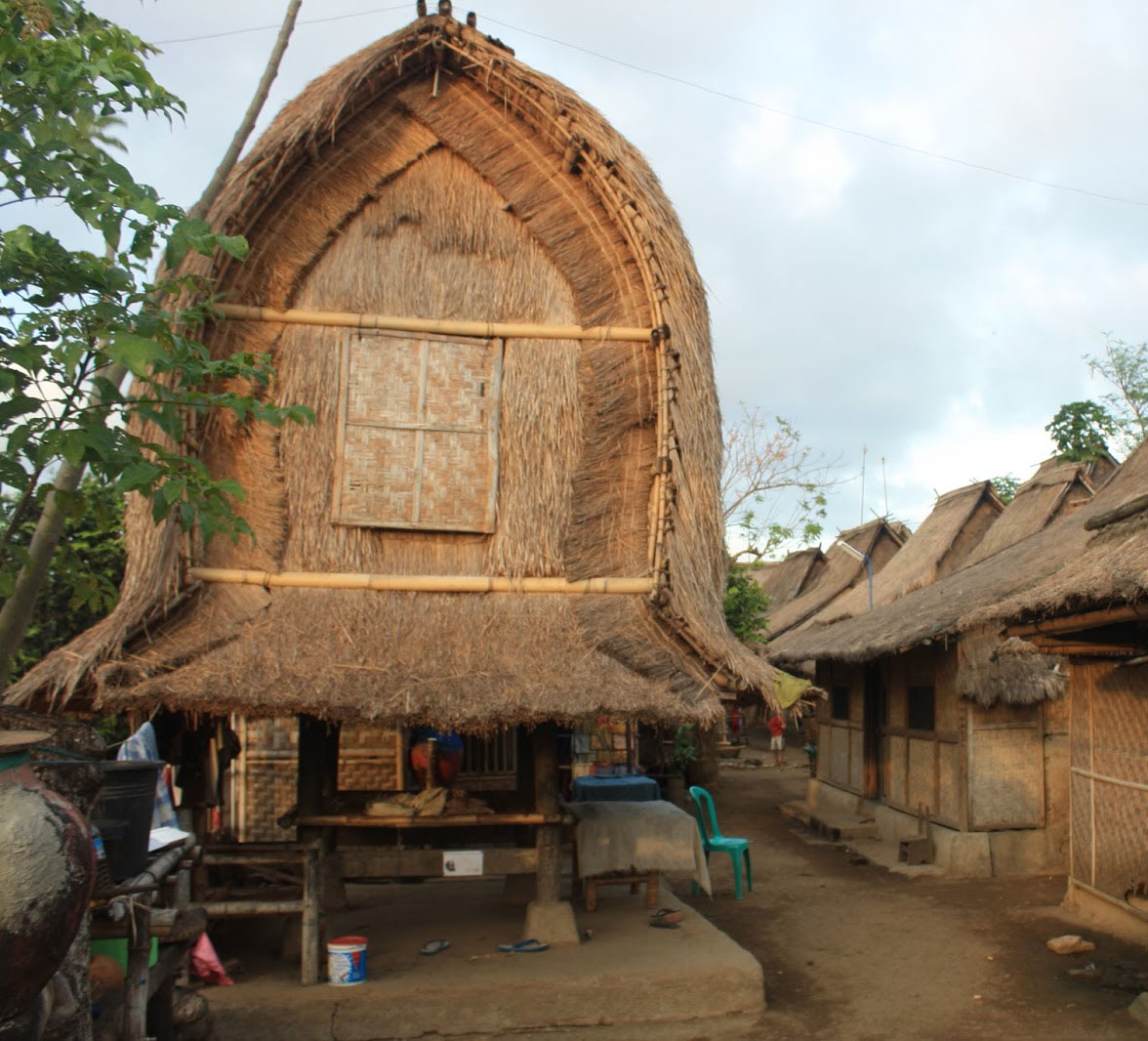 Rumah Adat Ntb Bale Sade Kab Lombok Tengah