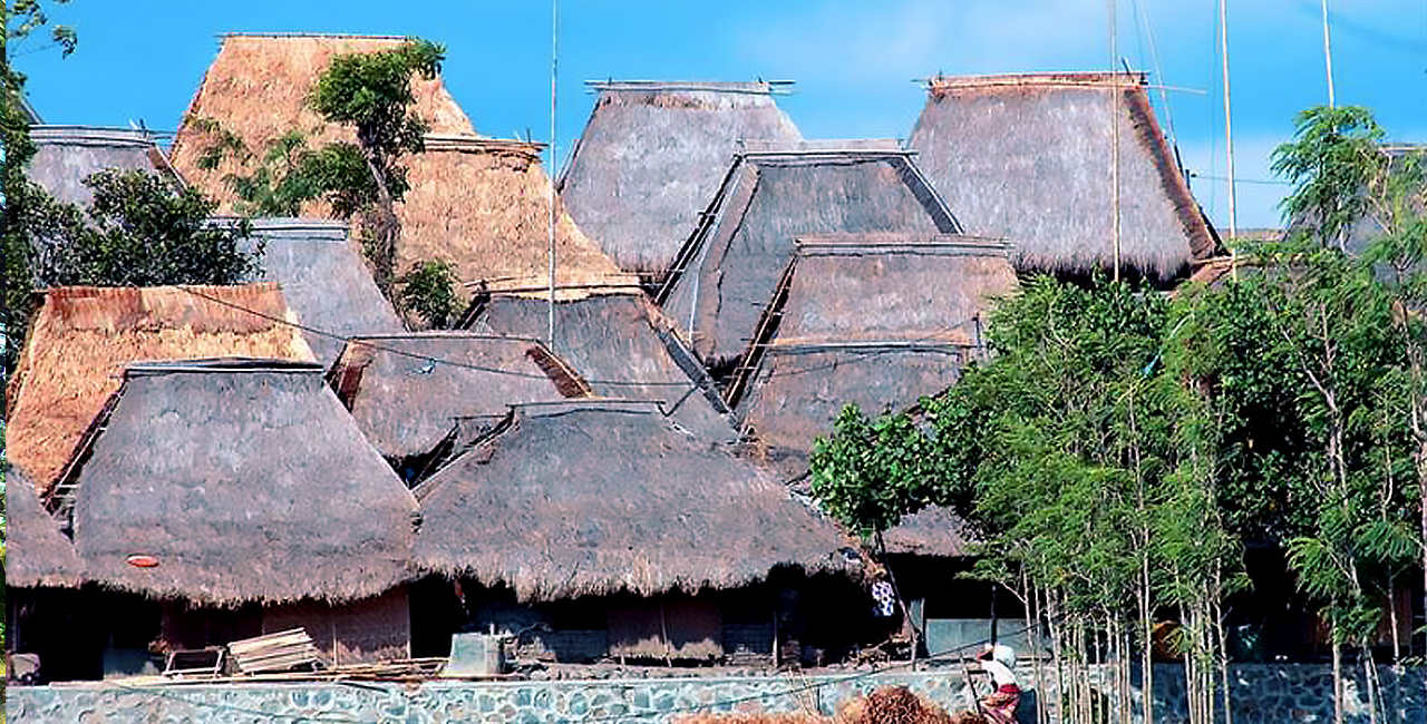 Rumah Adat Sasak Sade Rambitan Gerbang Wisata Tour Adventure Kab